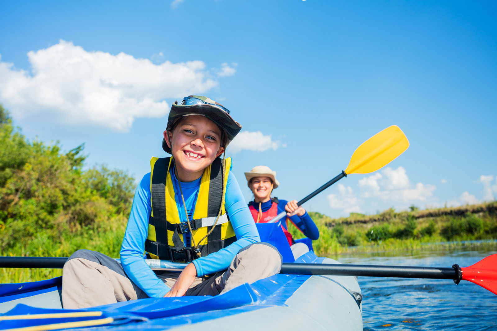 A fun summer activity is to paddle the South Saskatchewan River when staying at Medicine Hat hotels.