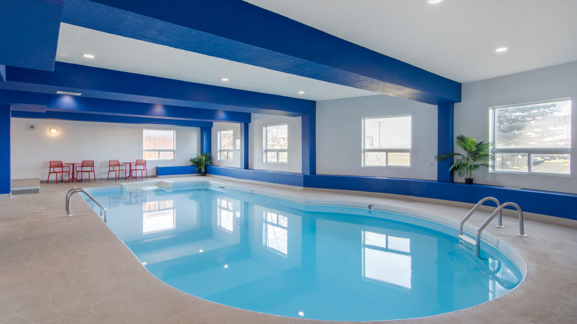 Indoor Pool at Medicine Hat Comfort Inn and Suites